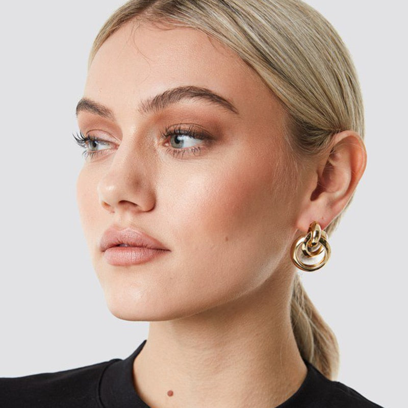 Leslie Abstract Hanging Earrings In Gold