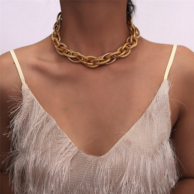 Lourdes Chunky Chain Short Necklace