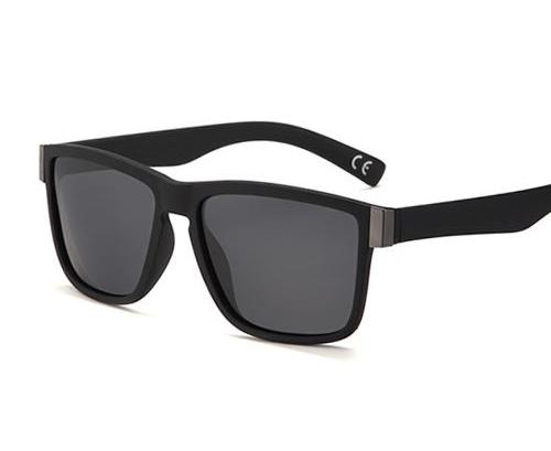 Men Classic Polarized Sunglasses.