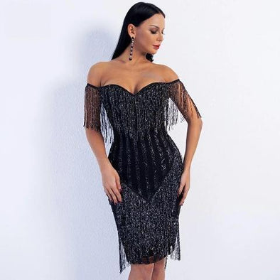 Find Royal and Beautiful Luxury Dresses with Many Styles and Color