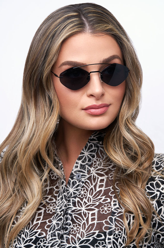 Privado Ninox black sunglasses on female model