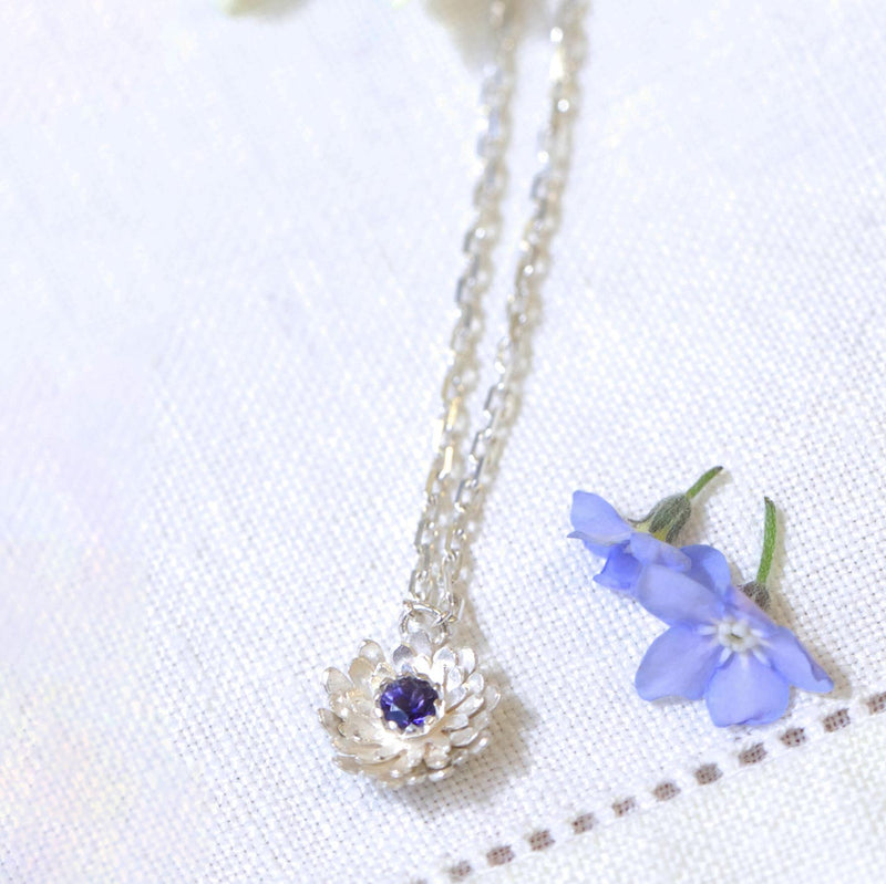 Simple Dahlia Pendant Jewellery