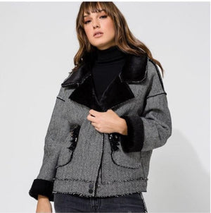 Jacket herringbone fur lapel bead pocket