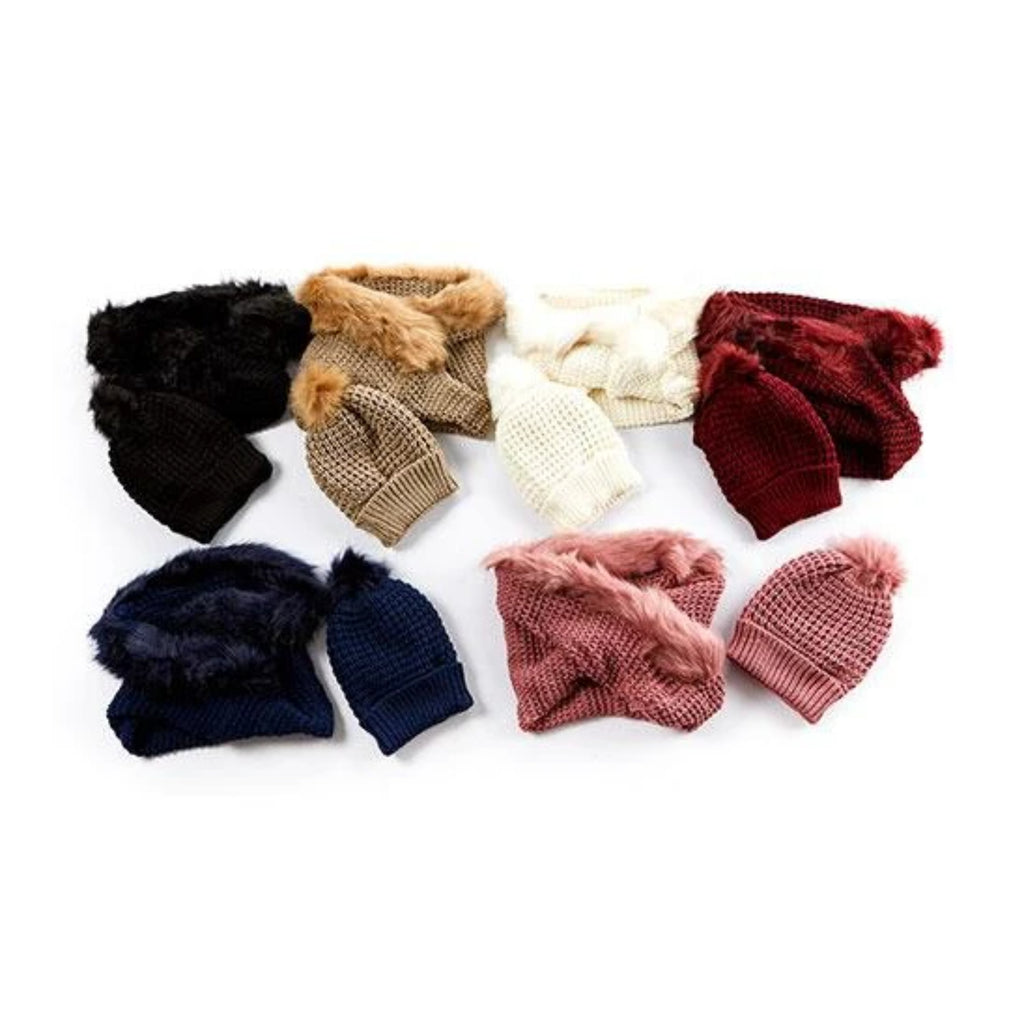 Beanie cable knit fur pom-pom