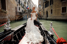 Load image into Gallery viewer, Sample 1407 Kassandra Julie Vino Venice Collection