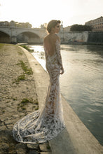 Load image into Gallery viewer, Sample 1113 Tatiana Julie Vino Rome Collection