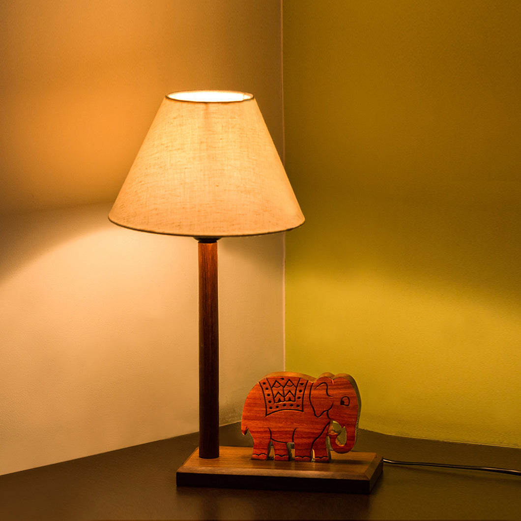 'The Elephant Warriors' Hand Carved Table Lamp In Sheesham Wood (16 Inch)
