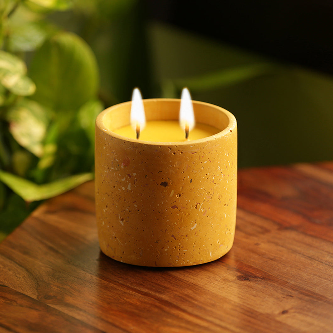 'The Ochred Rajnigandha' Scented Wax Candle In Terrazzo & Concrete