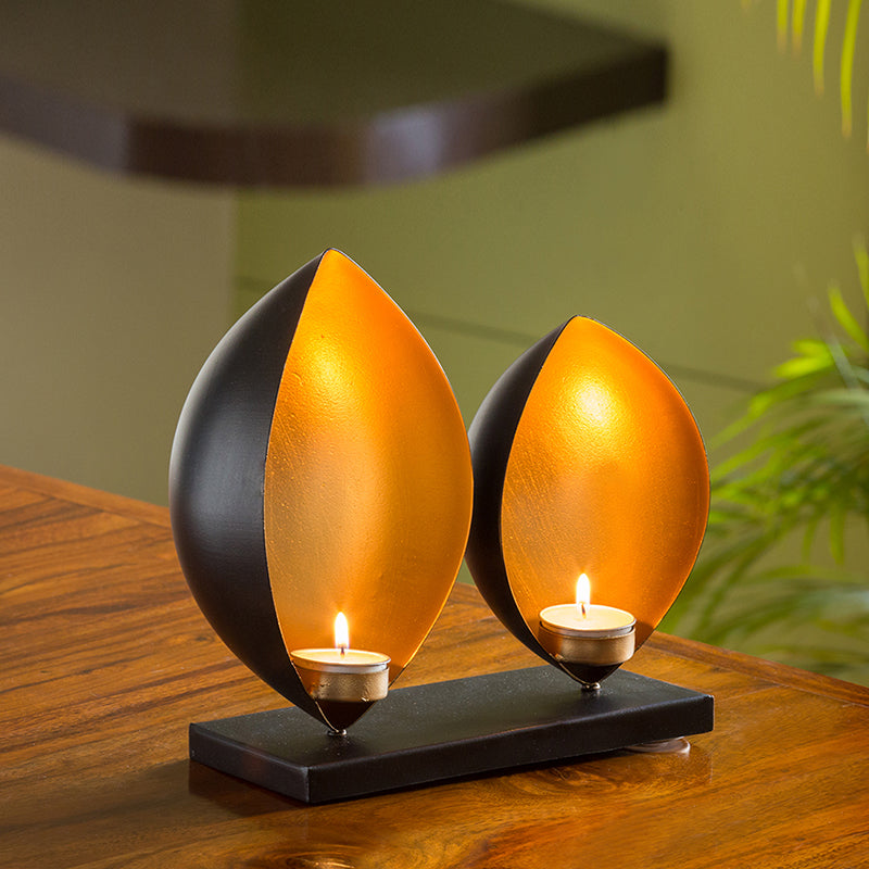Glowing Lotus Handcrafted Table Tea-Light Holder In Iron