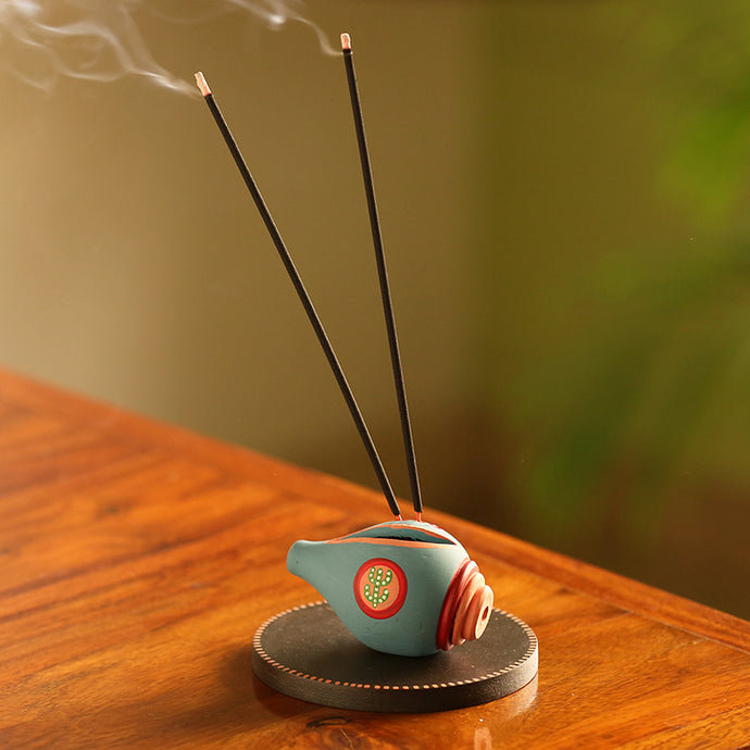 'Oasis Shankh' Hand-Painted Terracotta Incense Stick Holder With Wooden Tray (3 Sticks Holder)