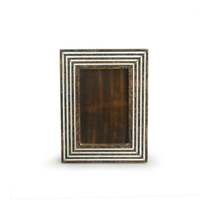 'Framed Memories' Hand Engraved Photoframe In Mango Wood (6 x 8 Inch, Portrait)