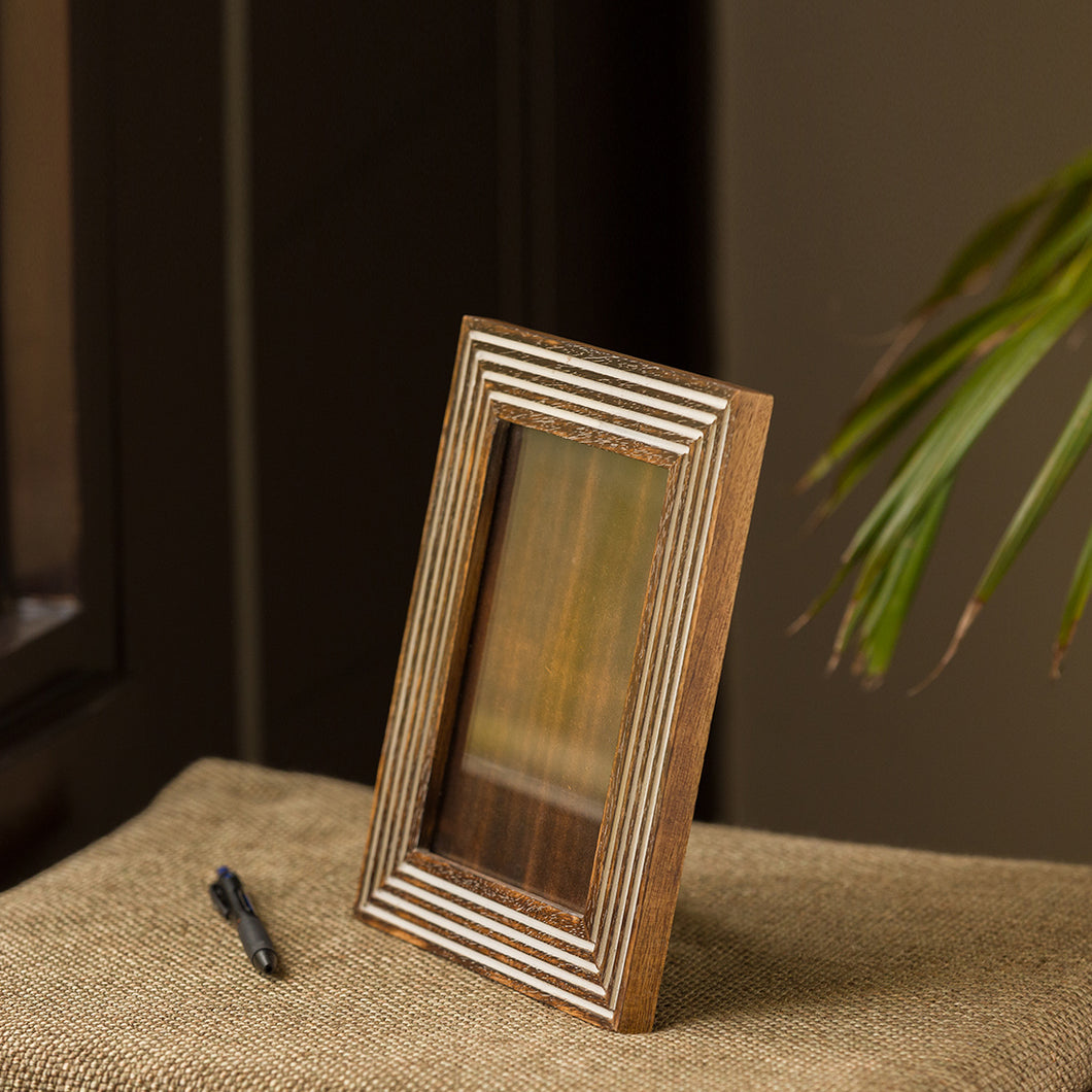 'Framed Memories' Hand Engraved Photoframe In Mango Wood (9 x 7 Inch, Portrait)