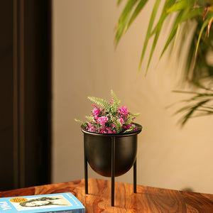 """Matte Black"" Table Planter Pot With Tri-Stand In Iron (8.5 Inch)"