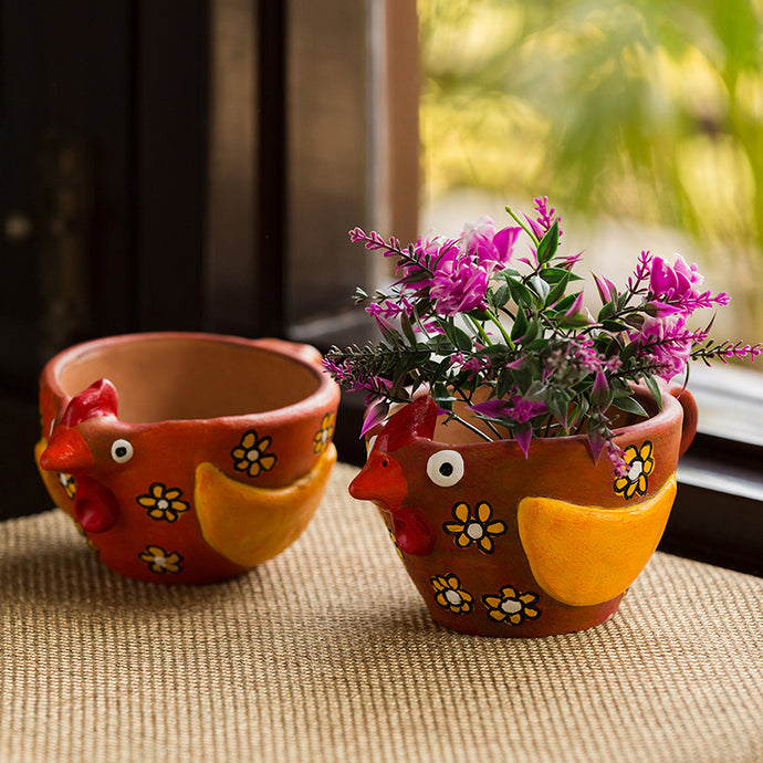 'Pecking Hen Pair' Handmade & Hand-painted Planter Pots In Terracotta (4 Inch, Set of 2)