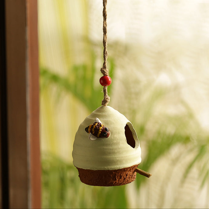 'Swinging Nest' Handmade & Hand-painted Bird House In Terracotta (6 Inch)