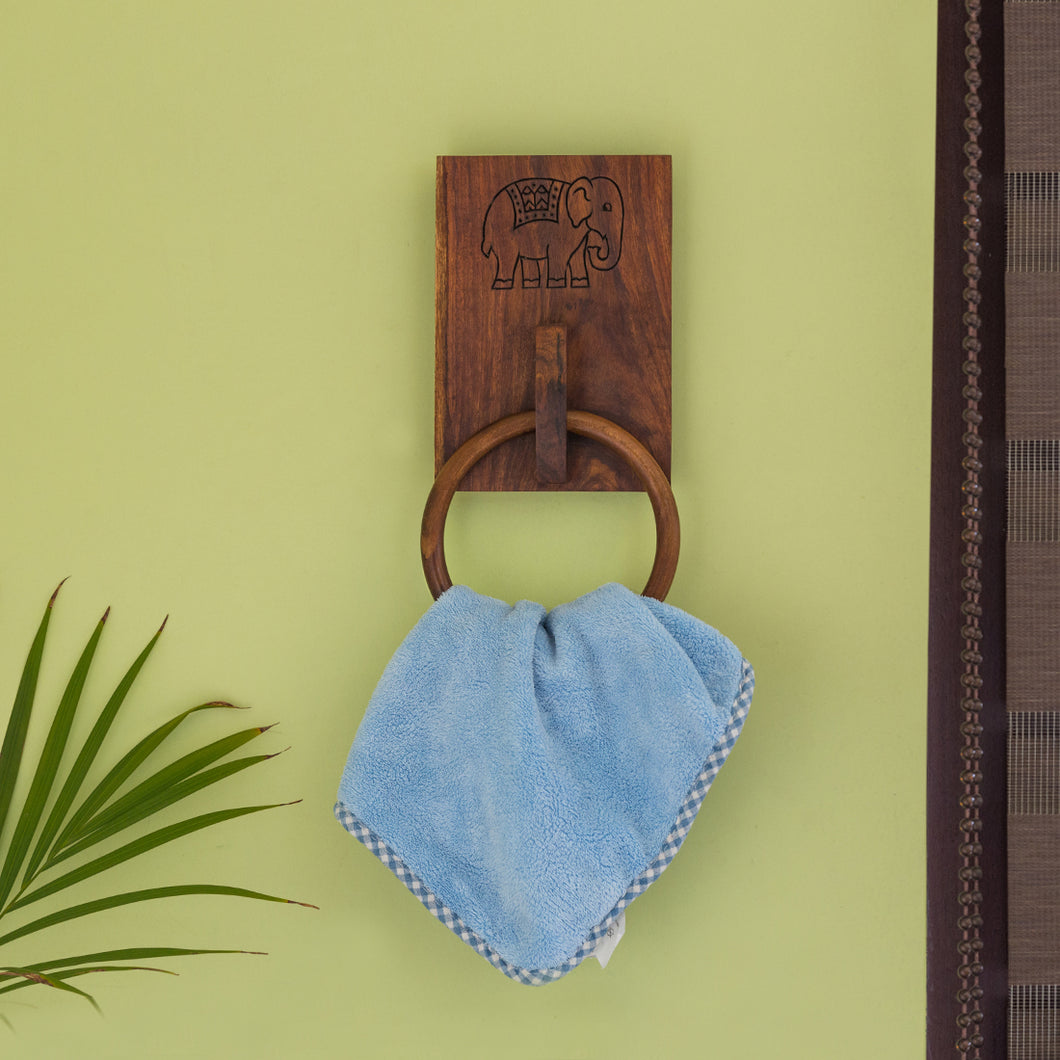 'The Elephant Warriors' Hand Carved Ring Towel Holder In Sheesham Wood
