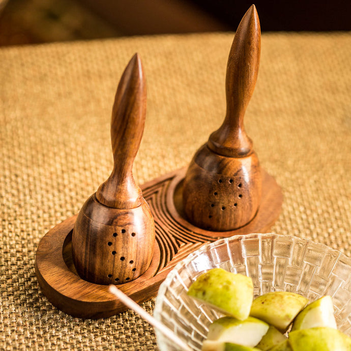 Unique Slanting Salt and Pepper Shaker With Wooden Engraved Tray In Sheesham Wood