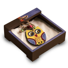 Load image into Gallery viewer, 'Owl Motif' Tissue Holder In Wood