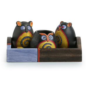 'Triple Owl Shaped' Terracotta Salt & Pepper Shaker Set With Toothpick Holder & Tray