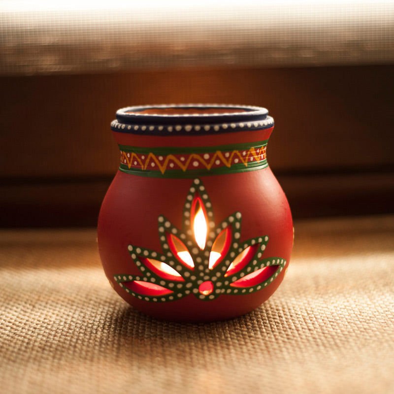 Terracotta Handpainted Aroma Diffusor In Red