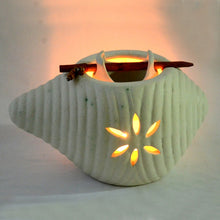 Load image into Gallery viewer, Ceramic Oil Burner In White
