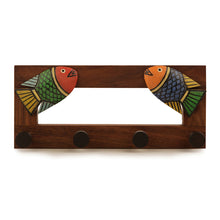 Load image into Gallery viewer, Elegant Fish Key Holder In Sheesham Wood
