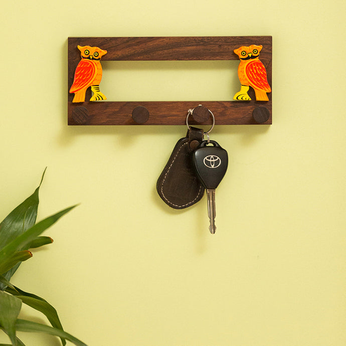 'Standing Owls' Handmade Key Holder In Sheesham Wood