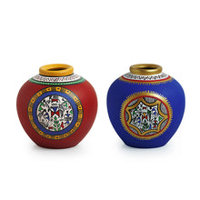 Load image into Gallery viewer, Combo Of Terracotta Handpainted Vases