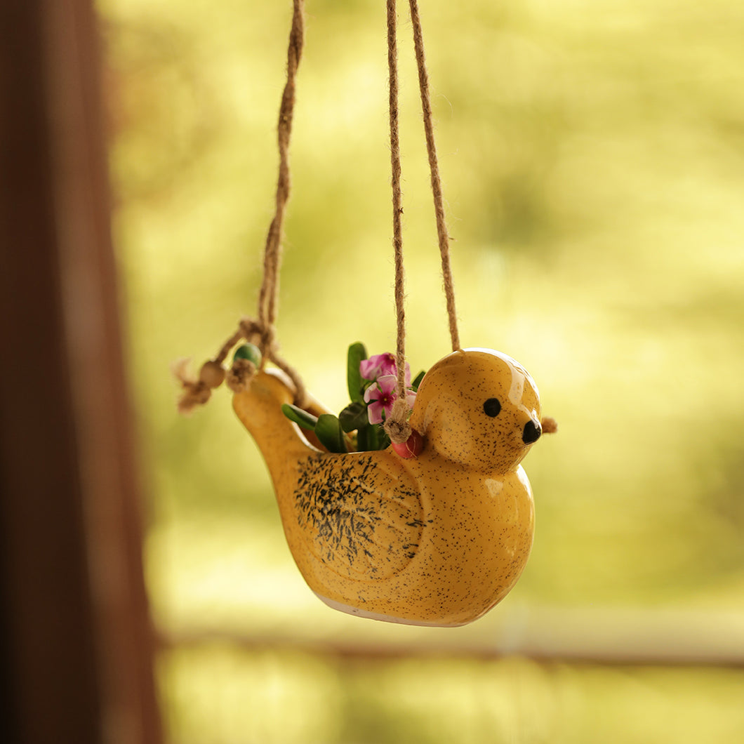Decorative Garden & Balcony Hanging Planter In Ceramic