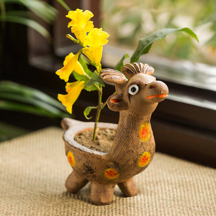'Smiling Giraffe' Handmade Garden Decorative Planter In Terracotta