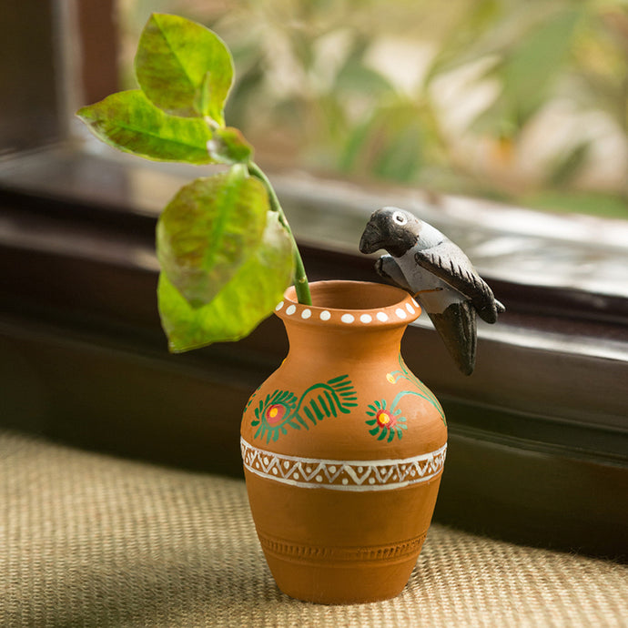 'The Thirsty Crow' Handmade Garden Decorative Showpiece In Terracotta
