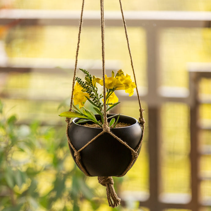 'Black Goblet' Metal Hand-Painted Hanging Planter Pot With Jute