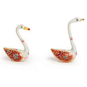 Meenakari White Swan Handenamelled Set In Metal