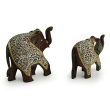 Load image into Gallery viewer, 'The Talking Tuskers' Hand Carved & Hand Painted Cotton Cloth Showpiece In Eucalyptus Wood