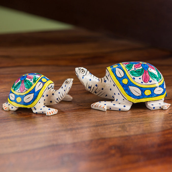 'The Vibrant Turtles' Hand Carved & Hand Painted Blue Pottery Showpiece In Eucalyptus Wood