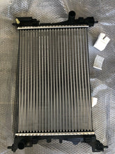 Load image into Gallery viewer, Original Fiat Grande Punto 2005-2016 Radiateur 55700447 P5 / Mk