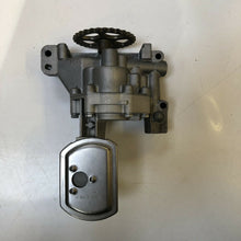 Load image into Gallery viewer, Genuine Fiat Part - FIAT SCUDO 2.0D Oil Pump 99 to 06 9569342587