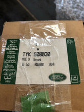 Load image into Gallery viewer, Genuine Castrol Bot 338 Land Rover Transfer Oil TYK500030 75w-80 1L MTF94