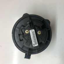 Load image into Gallery viewer, Genuine Citroen Xantia Heater Blower Motor RHD with A/C 1993-2003 P6441n7