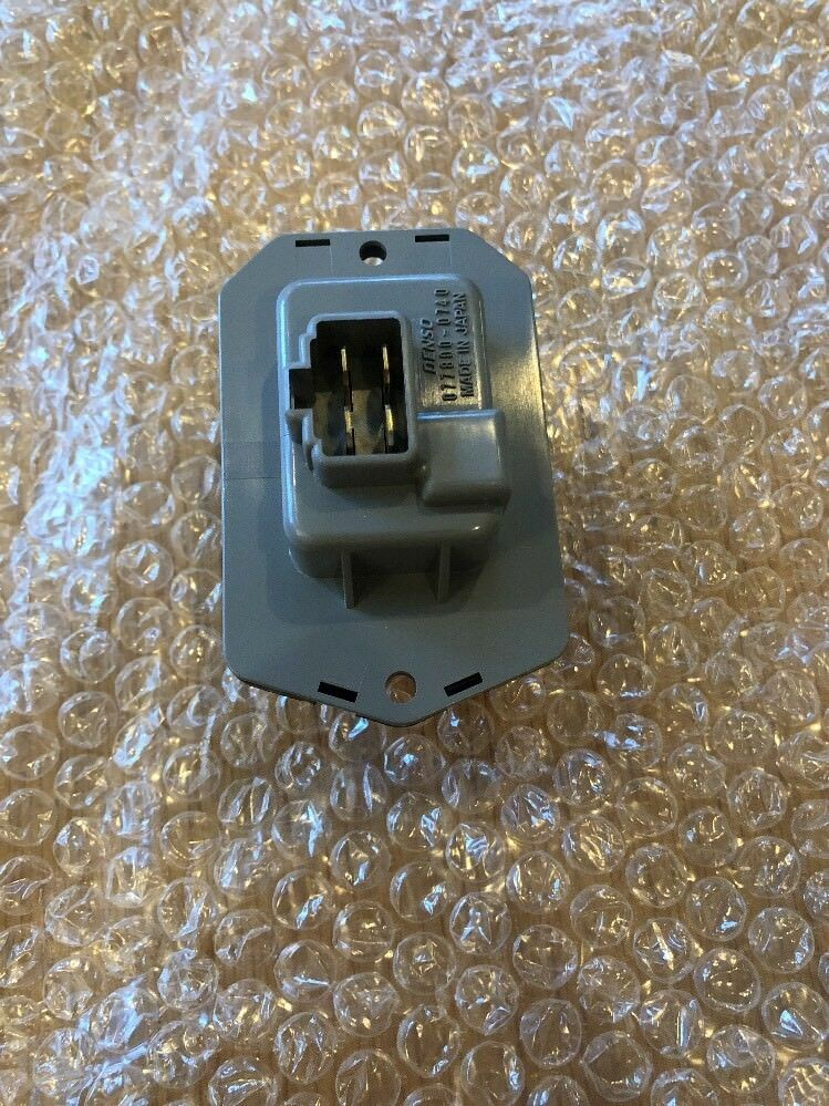 Genuine Land Rover Discovery 3/4 Heater Blower Switch Jgn500010
