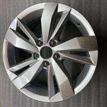 Load image into Gallery viewer, Wheel Original VolksWagen POLO 15 Silver 2G0601025N R Line single