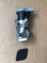 Load image into Gallery viewer, GENUINE DISCOVERY 3 & RANGE ROVER SPORT - RH EGR VALVE (UPTO 2007 MODEL YEAR)