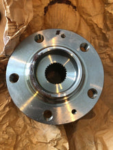 Load image into Gallery viewer, Genuine Fiat Scudo Centre Boss Wheel Hub 9647052487