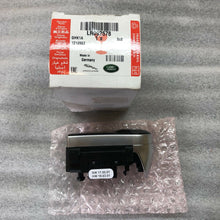 Load image into Gallery viewer, GENUINE RANGE ROVER VELAR STEERING SWITCH LR092578 (20)