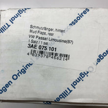 Load image into Gallery viewer, Genuine VW Rear mudguard for Passat Lim. 2011  - 3AE075101
