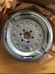 Genuine Volkswagen Flywheel Dual-mass 228mm For Vw Passat 03L105266S