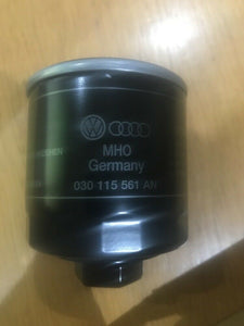 genuine volkswagen Audi Skoda Seat Oil Filter Brand New 030115561an