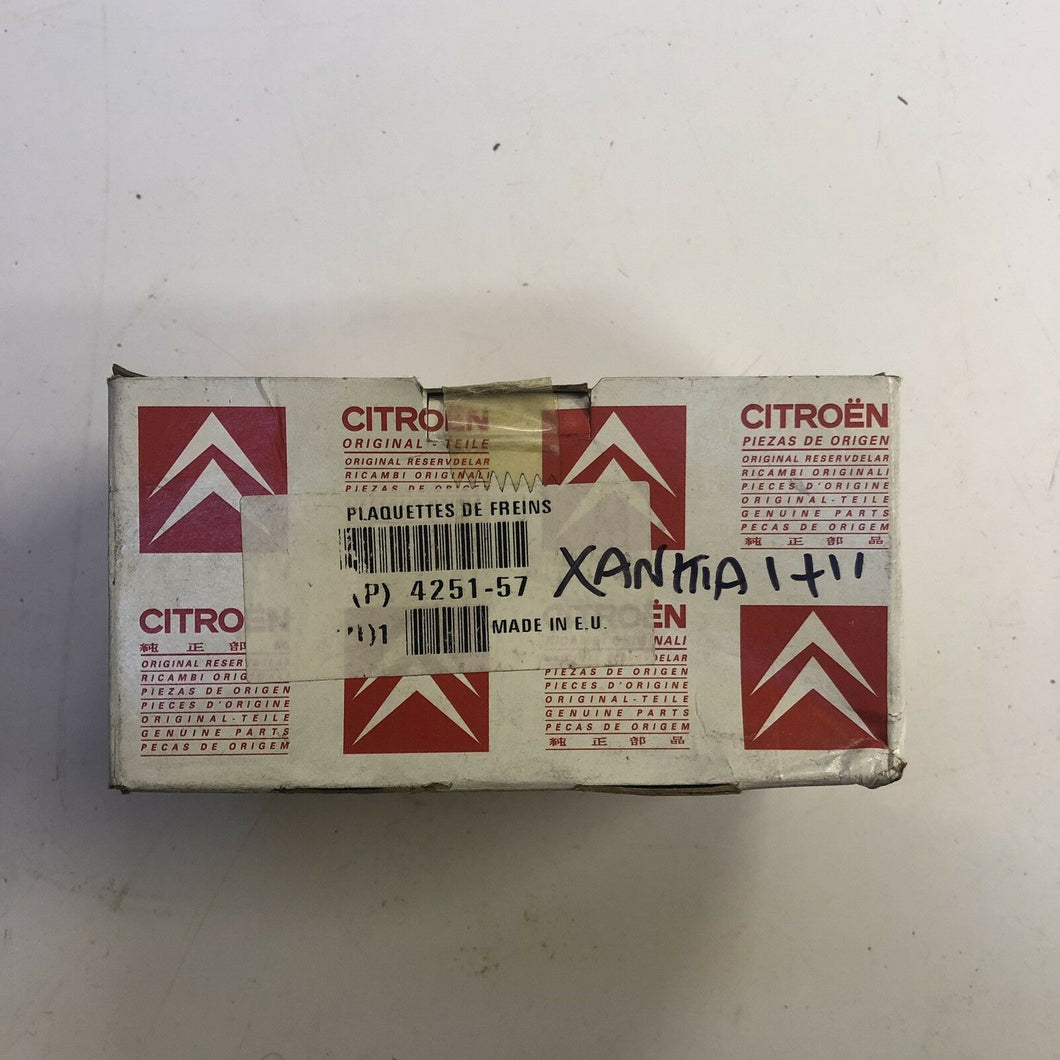 Citroen Xantia Front Brake Pads . Genuine Part 425292