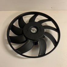 Load image into Gallery viewer, NEW GENUINE VW CRAFTER MERCEDES SPRINTER 06>ON RADIATOR FAN MOTOR 2E0959455A