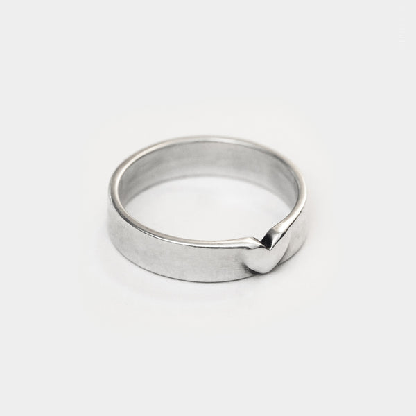 Pared-Down Heart Band Ring - 3d printed in sterling silver jewellery design by P3PPER'S | p3ppers.com. All rights reserved
